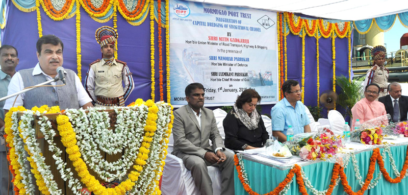 The Union Minister for Road Transport & Highways and Shipping, Mr. Nitin Gadkari addressing at the inaugural ceremony of the Capital Dredging of Navigational Channel, at MPT, Jetty break water, Mormugao Harbour on January 01, 2016. The Chief Minister of Goa, Mr. Laxmikant Parsekar, the Member of Parliament of South Goa, Mr. Narendra Savoikar, the Chairman of MPT, Mr. I. Jaykumar and other dignitaries are also seen.