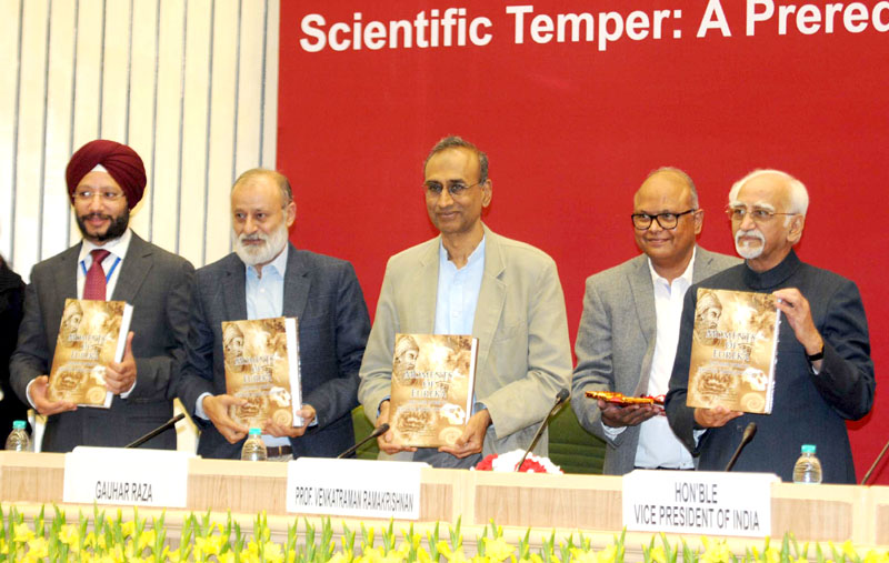 The Vice President, Mr. M. Hamid Ansari releasing the book 'Moments of Eureka', at a function, in New Delhi on January 10, 2016.