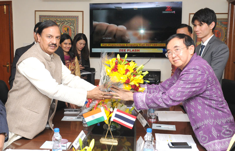 The Minister of Culture, Kingdom of Thailand, Mr. Vira Rajpoj Chanarat meeting the Minister of State for Culture (Independent Charge), Tourism (Independent Charge) and Civil Aviation, Dr. Mahesh Sharma, in New Delhi on January 07, 2016.