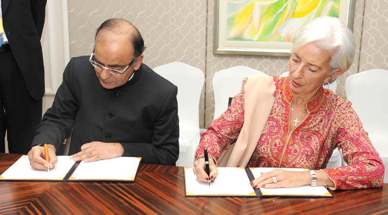 The Union Minister for Finance, Corporate Affairs and Information & Broadcasting, Mr. Arun Jaitley and the Managing Director, International Monetary Fund (IMF), Ms. Christine Lagarde, at a bilateral meeting, in New Delhi on March 11, 2016.
