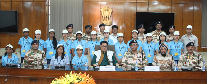 The Minister of State for Home Affairs, Mr. Kiren Rijiju in a group photograph with the children from Arunachal Pradesh on excursion tour, organised by the ITBP, in New Delhi on April 01, 2016. The DG, ITBP, Mr. Krishna Chaudhary is also seen.
