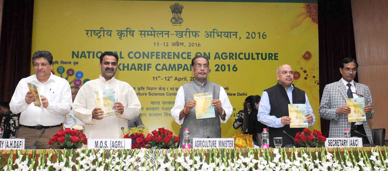 The Union Minister for Agriculture and Farmers Welfare, Mr. Radha Mohan Singh releasing a publication at the National Conference on Agriculture for Kharif Campaign -2015, in New Delhi on April 11, 2016. The Minister of State for Agriculture and Farmers Welfare, Dr. Sanjeev Kumar Balyan and other dignitaries are also seen.