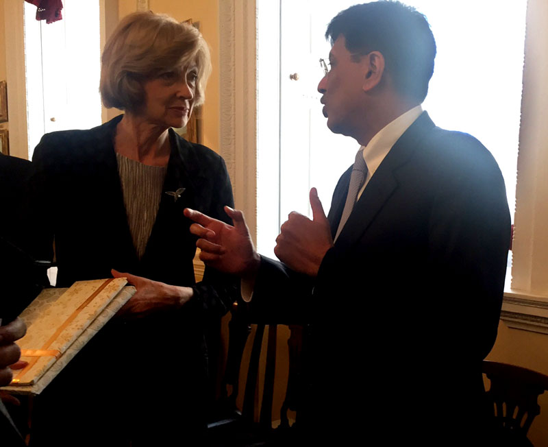 The Minister of State (Independent Charge) for Power, Coal and New and Renewable Energy, Mr. Piyush Goyal at a Breakfast meeting with Alderman Fiona Woolf DBE, Lord Mayor, City of London, on April 20, 2016.