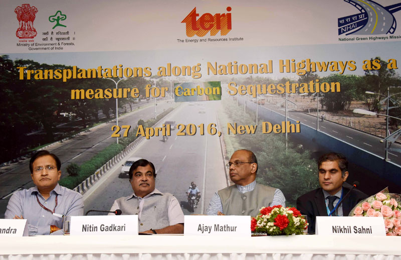 The Union Minister for Road Transport & Highways and Shipping, Mr. Nitin Gadkari at the inaugural session of the Transplantations along National Highways as a measure for Carbon Sequestration, in New Delhi on April 27, 2016.