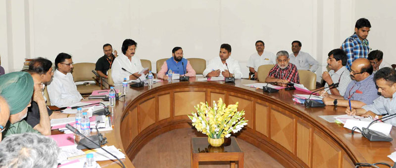 The Minister of State for Environment, Forest and Climate Change (Independent Charge), Mr. Prakash Javadekar chairing the meeting of Environment Ministers of NCR, in New Delhi on April 27, 2016.