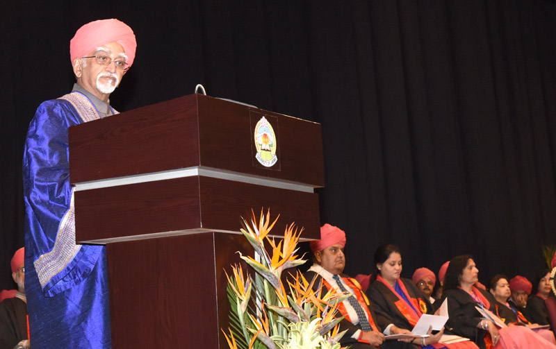 The Vice President, Mr. M. Hamid Ansari addressing at the 16th Convocation of the University of Jammu, in Jammu on April 02, 2016.