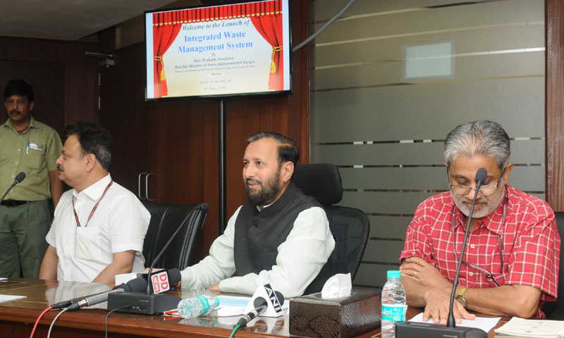 The Minister of State for Environment, Forest and Climate Change (Independent Charge), Mr. Prakash Javadekar launching the web-based integrated waste management system, in New Delhi on May 09, 2016.