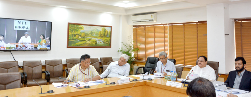 The Union Minister for Health & Family Welfare, Mr. J.P. Nadda reviewing the status of vector borne diseases and preparation of States, through video conference, in New Delhi on July 12, 2016. The Secretary, Ministry of Health and Family Welfare, Mr. B.P. Sharma and other dignitaries are also seen.
