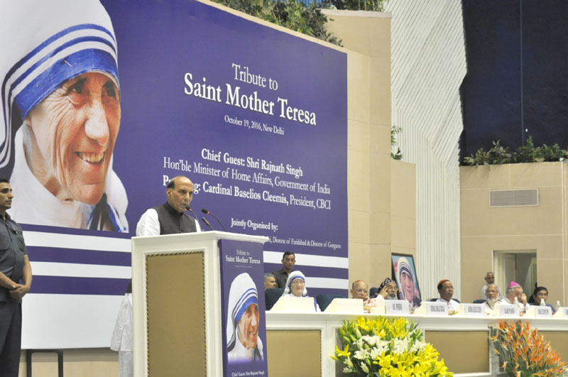 The Union Home Minister, Mr. Rajnath Singh addressing at the celebration to commemorate the Canonization of Saint Mother Teresa, in New Delhi on October 19, 2016.