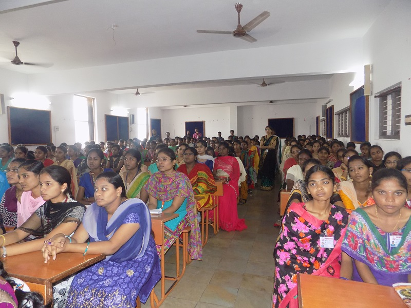 Students participating in in national level youth 'Innovits - 2K16' in VITS, Proddatur on 01, October, 2016.