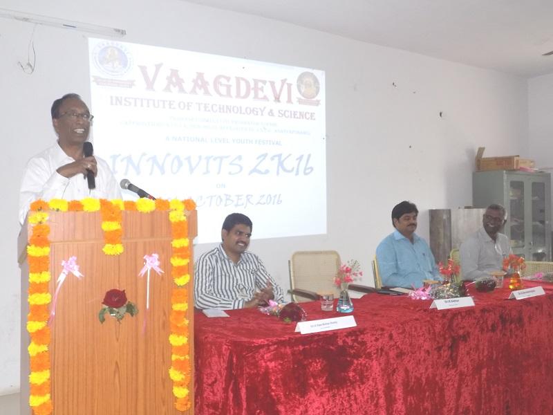 LIC Chief Manager Mr. K Sekhar addressing the national level youth 'Innovits - 2K16' in VITS, Proddatur on 01, October, 2016.