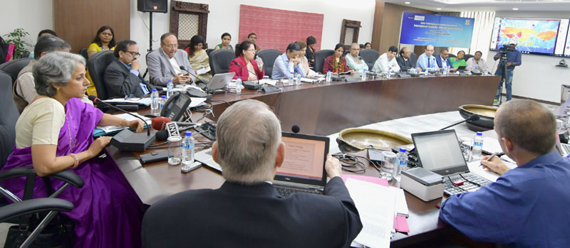 The Secretary (DHR) and DG, ICMR, Dr. Soumya Swaminathan briefing the media on ICMR's initiative with the International TB Research Consortium, in New Delhi on November 10, 2016.