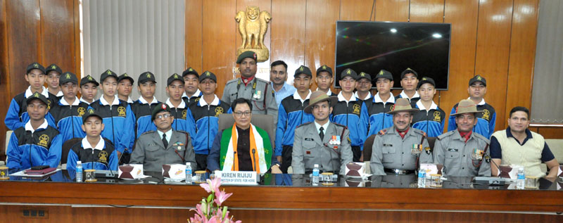 The Minister of State for Home Affairs, Mr. Kiren Rijiju in a group photograph with students from Assam who are on the National Integration Tour, organised by the 43rd Assam Rifles, in New Delhi on November 24, 2016.
