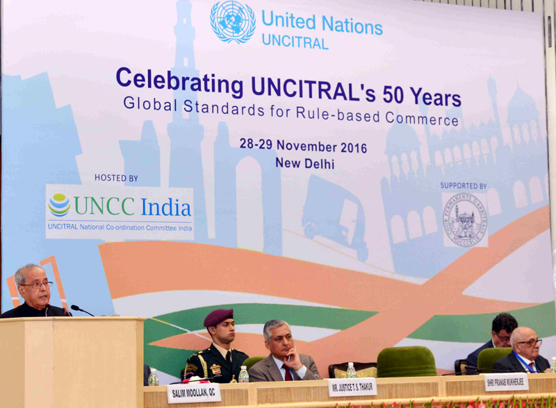 The President, Mr. Pranab Mukherjee addressing at the celebration on 50 years of Establishment of the United Nations Commission on International Trade Law (UNCITRAL), in New Delhi on November 28, 2016. The Chief Justice of India, Justice T.S. Thakur is also seen.