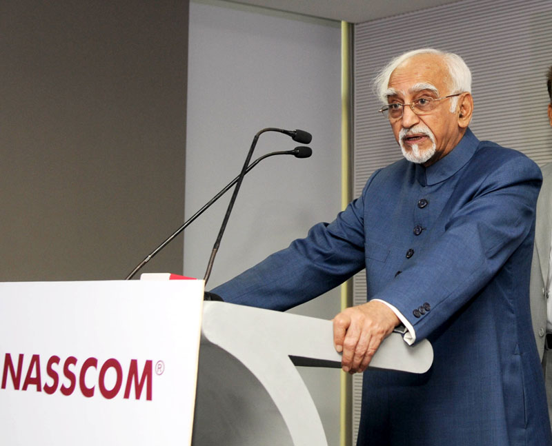 The Vice President, Mr. M. Hamid Ansari addressing at the inaugural function of the NASSCOM Campus, in Noida, Uttar Pradesh on November 05, 2016. The Minister for Stamp and Registration (Trade Tax), Uttar Pradesh, Mr. Yasar Shah is also seen.